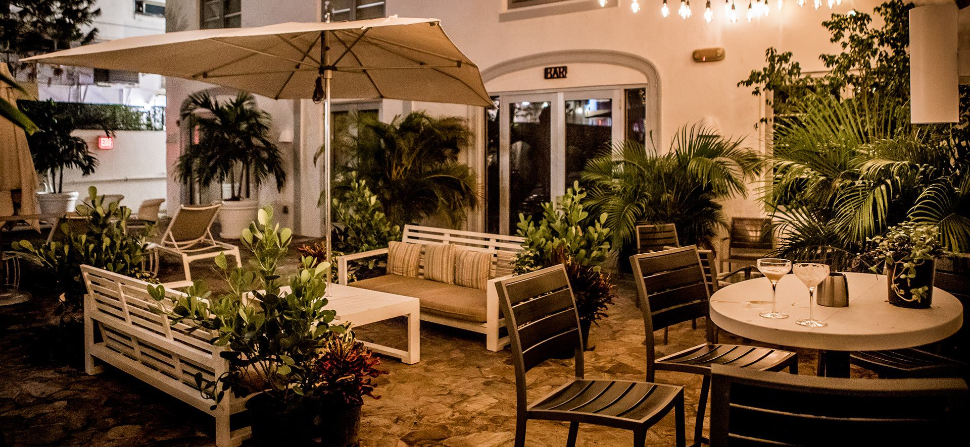 miami beach open patio speakeasy local craft coctail bar open late 305